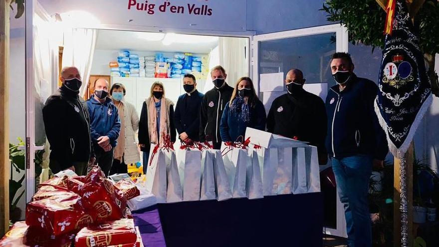 Cáritas recibe material escolar y regalos para las familias más vulnerables de Ibiza