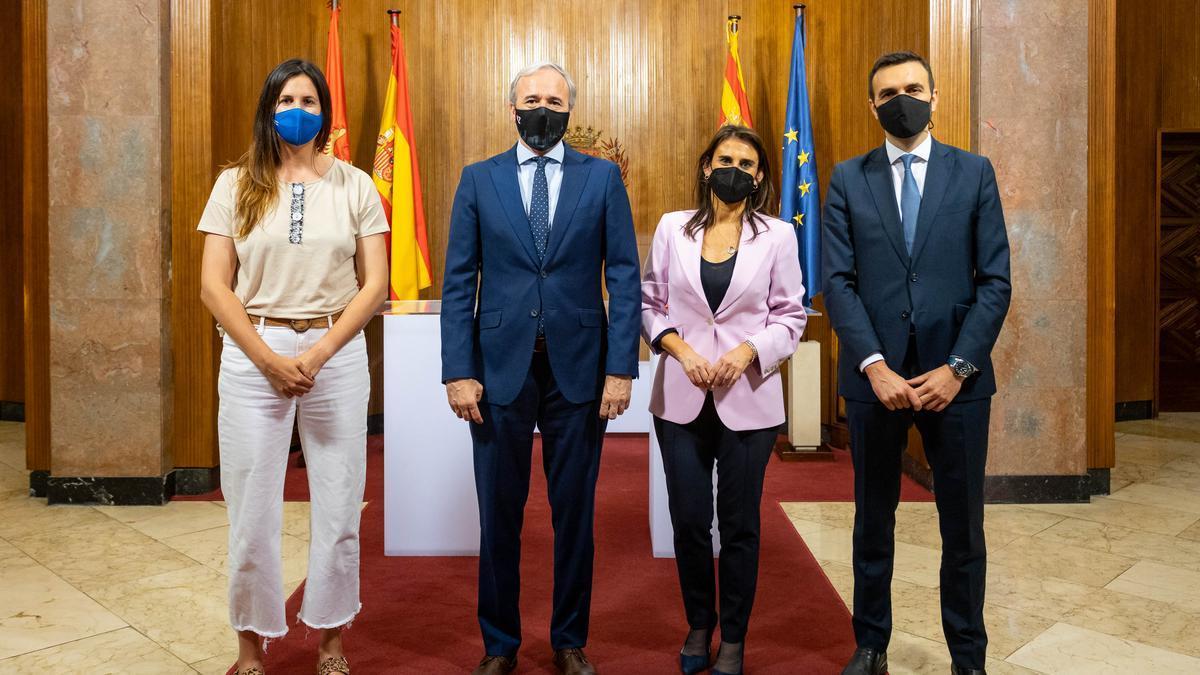 Cristina García, el alcalde Azcón, Isabel Moreno y Ricardo Ger, este lunes.