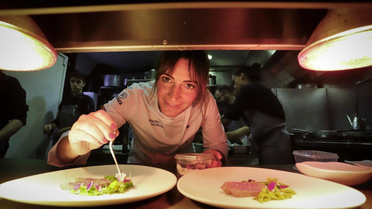 Begoña Rodrigo cierra su restaurante l'Hort al Nu para dar más espacio a La Salita de manera temporal.