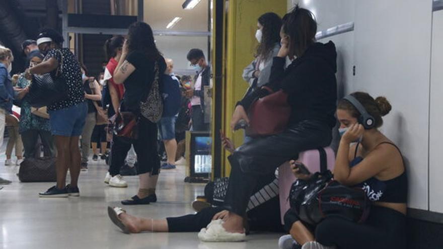 Renfe cancel·la 118 trens fins a les 8.30 h en el segon dia de vaga sense els serveis mínims decretats