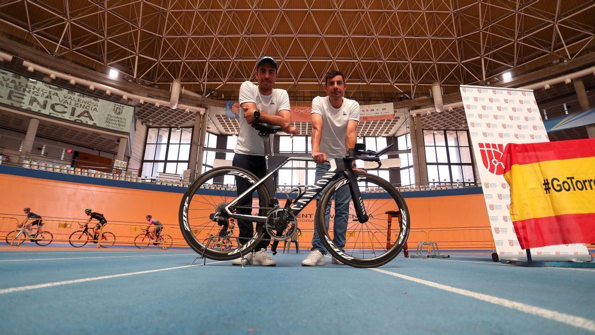 Mora y Torres, en el velódromo que será su casa en València hasta el 11 de agosto