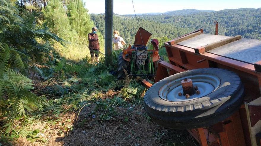 Un cable de teléfonos secciona la pierna al conductor de un tractor