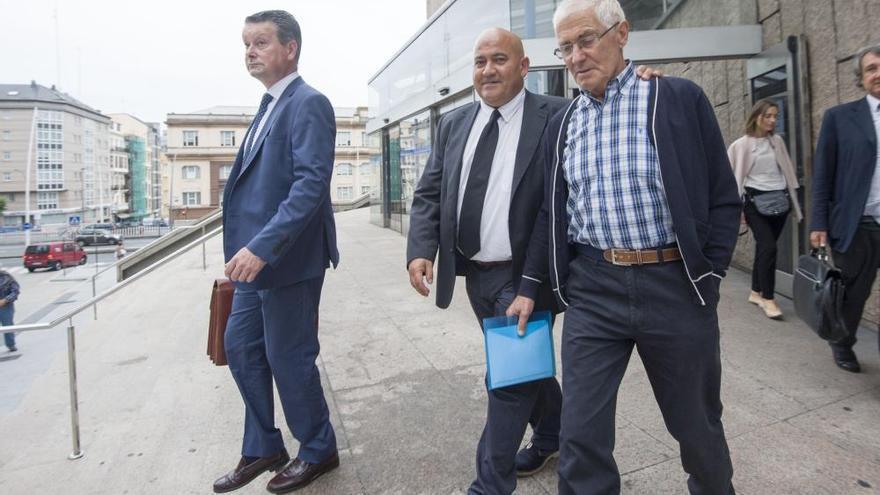 """La exsecretaria ve """"organizada"""" la parcelación y urbanización por la que se juzga a Santiso"""