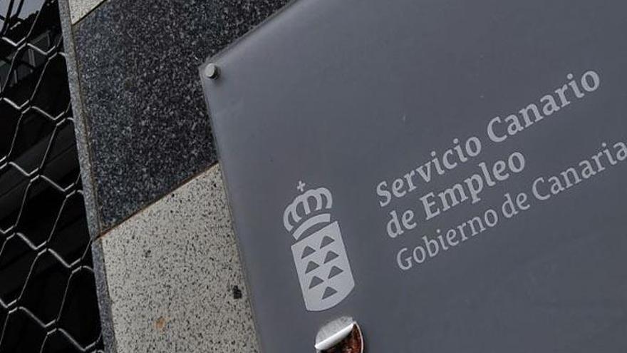 La pandemia destruye cada día 374 puestos de trabajo en Canarias