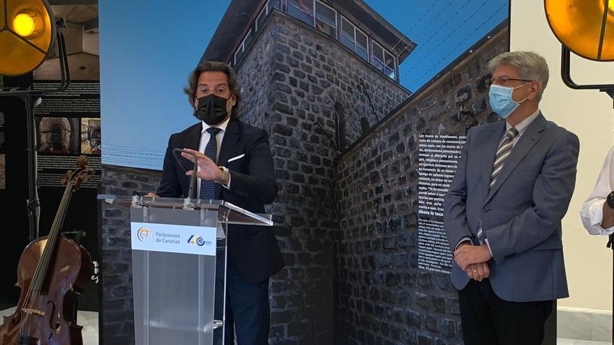 El Parlamento acoge una exposición en memoria de los canarios del campo nazi de Mauthausen