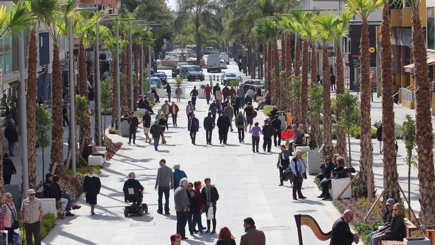 Inauguración de la peatonalización de la  plaza Costa del Sol en Torremolinos