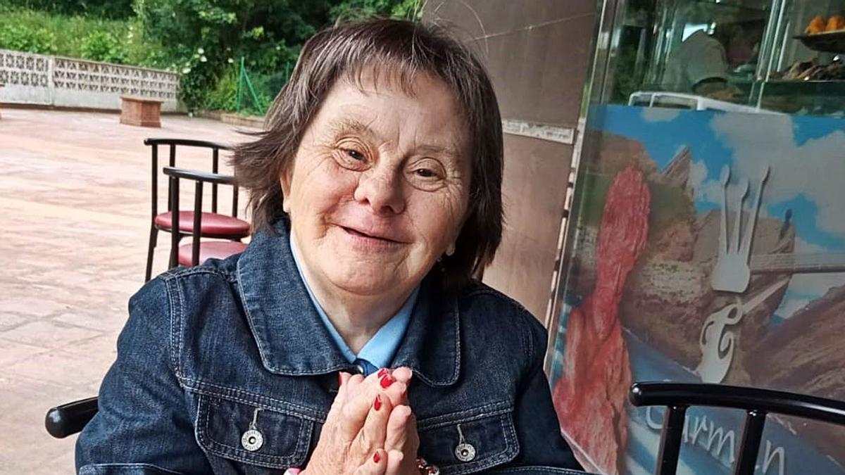 Una de las integrantes de la Asociación Rey Pelayo