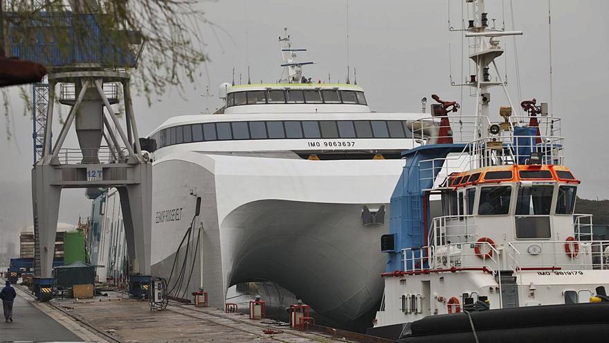 El ferry de Armón se traslada hoy a El Musel para las pruebas de navegación