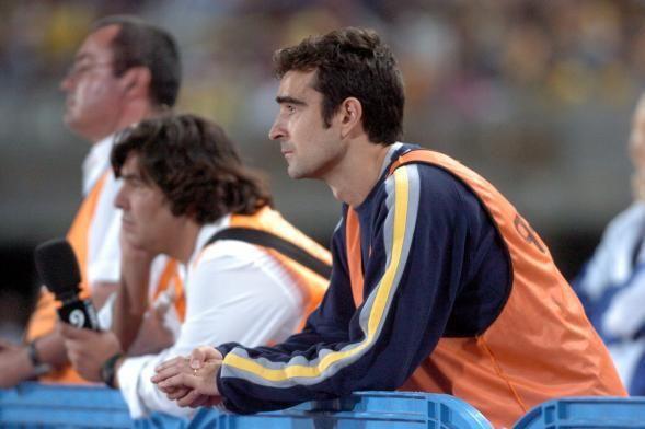 Carcedo, en la final ante el Linares, con el peto de prensa en el Gran Canaria.       LP
