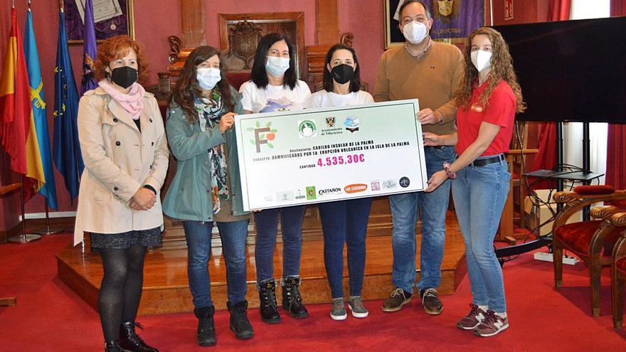 Villaviciosa entrega los fondos recaudados para La Palma