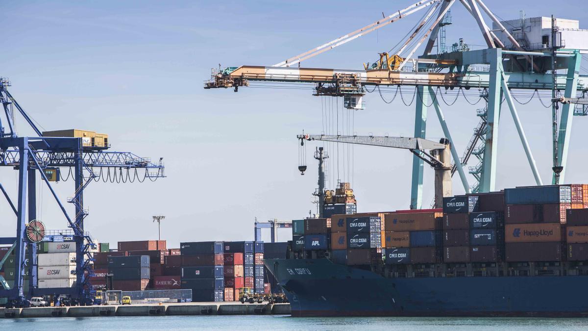 El trànsit de mercaderies creix un 13 % al port de València