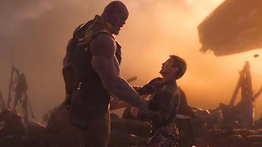 'Los Vengadores' defienden los cines con la escena más épica de 'Endgame'