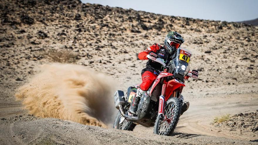 Benavides gana en el Dakar con la nariz rota y Barreda pierde 19 minutos