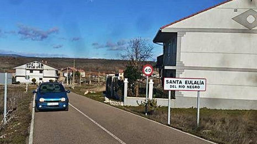 Búsqueda por Santa Eulalia y Peque de dos jóvenes huidos de un control en Mombuey