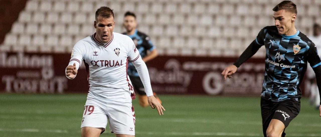 Ortuño, en el Carlos Belmonte,  durante el partido contra el Almería