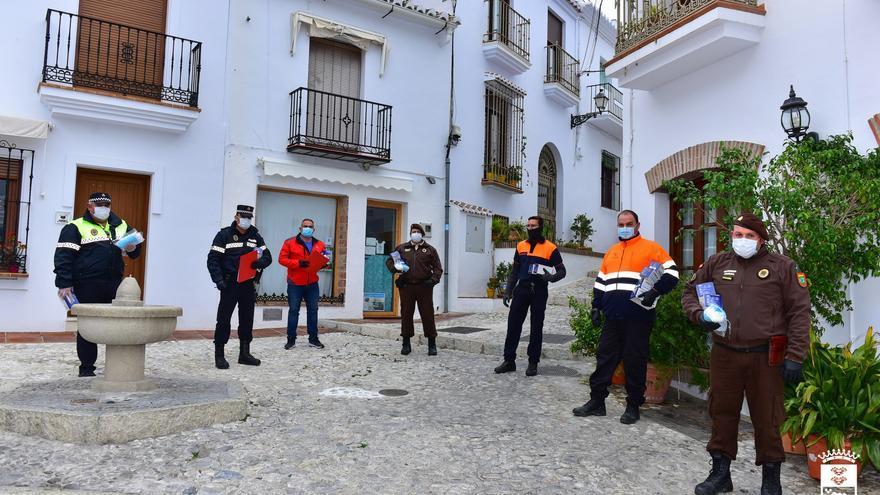 El alcalde denuncia que los mayores de 80 años de Frigiliana deben ir hasta Nerja para ser vacunados
