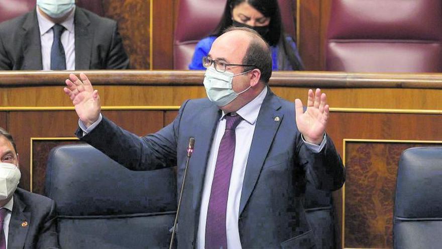 Iceta anuncia un decreto para prohibir  la temporalidad en el empleo público