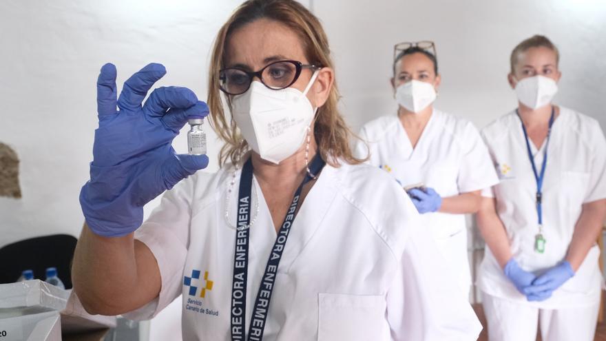 Sanidad administra 762.557 dosis de vacunas contra la COVID-19 en Canarias
