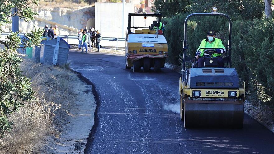 La «operación asfalto» de Elche llega a la pedanía de Carrús y a la Ronda Oeste