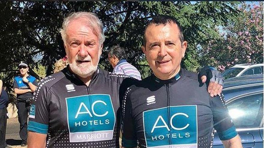 Manuel Palma y Jaime Mayor Oreja hacen juntos en bici el Camino de Santiago