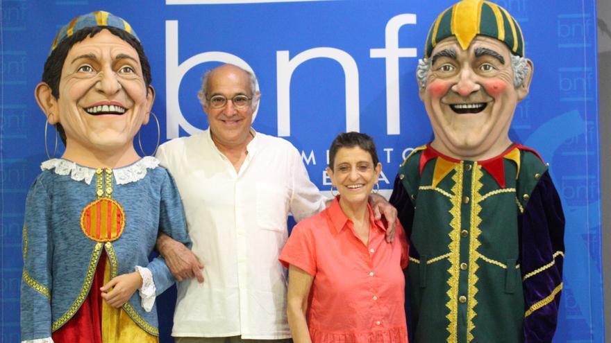 El Ayuntamiento de Binéfar dedica sus últimos cabezudos a los Titiriteros