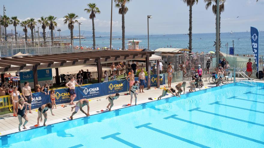 El «Mulla't per l'Esclerosi Múltiple» omple de solidaritat unes 450 piscines