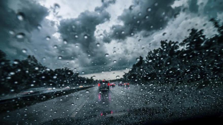 Lluvias y vientos fuertes en Canarias este martes