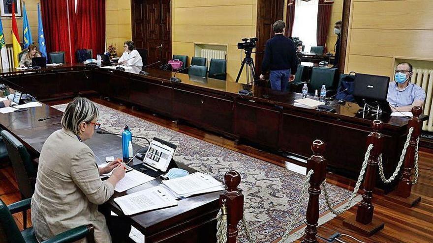 Unidas por Llangréu denuncia la paralización de la actividad municipal