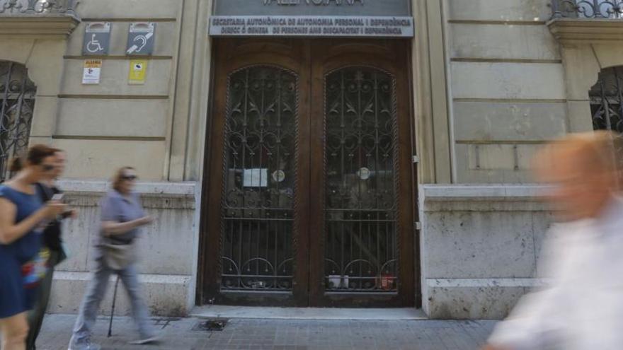 Dalmau quiere instalarse en un céntrico palacete de la calle Colón