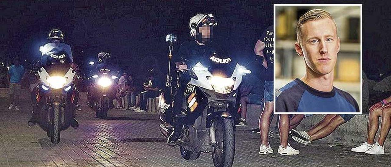 Motoristas de la Policía Nacional patrullan de noche en la Playa de Palma (en el recuadro, Carlo Heuvelma).