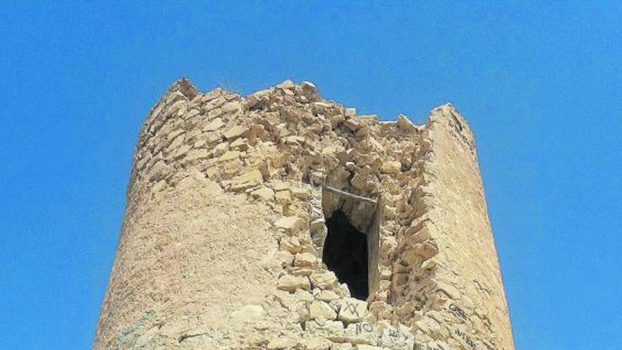 Una disputa por la propiedad de la Torre del Barranc d'Aigües bloquea su reforma