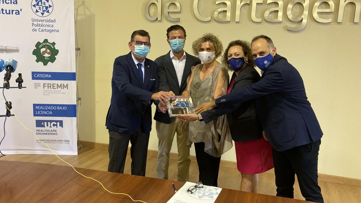 La UPCT recibe el primer respirador para enfermos de covid-19