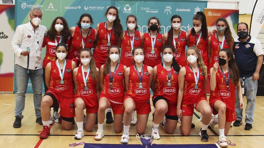 El Maristas júnior femenino logra la plata andaluza y un puesto en el Campeonato de España