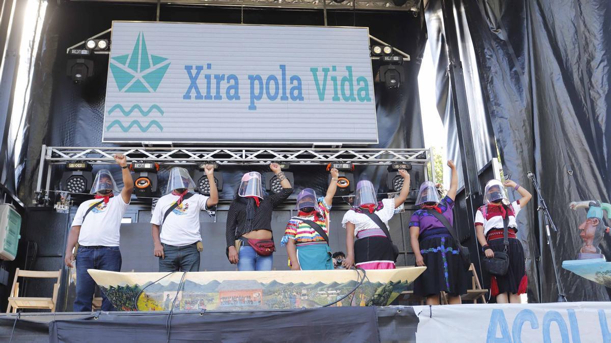 Los zapatistas del 'Escuadrón 421', este martes en Vigo.