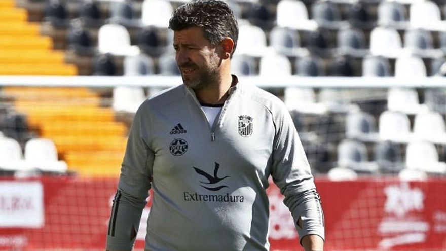 "Fernando Estévez: ""El Zamora CF es dificilísimo de ganar"""