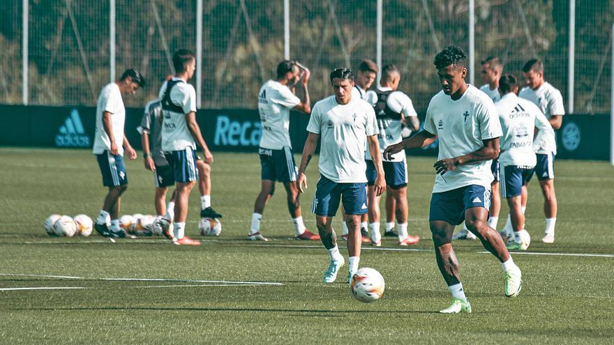 Renato Tapia apunta al debut liguero
