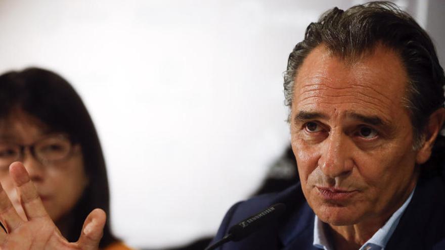 Cesare Prandelli dimite como entrenador del Valencia