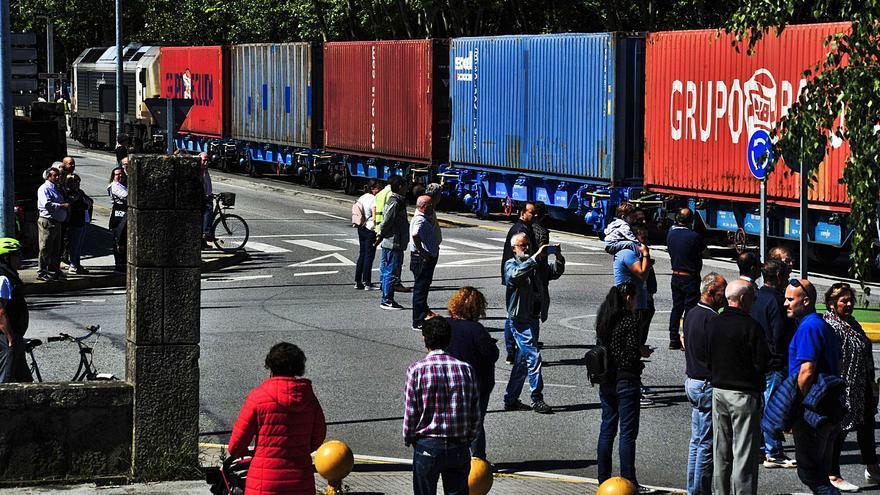 Boluda descarta a corto plazo retomar el tráfico en el ramal ferroviario de Vilagarcía