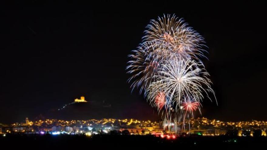 Las mejores fotos del Castillo de Fuegos Artificiales de Jumilla tendrán premio
