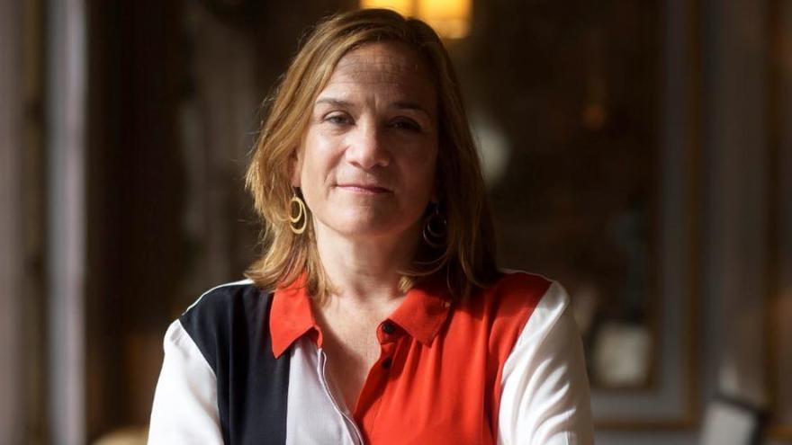 """Tracy Chevalier: """"Las mujeres tienen más  interés que los hombres"""""""