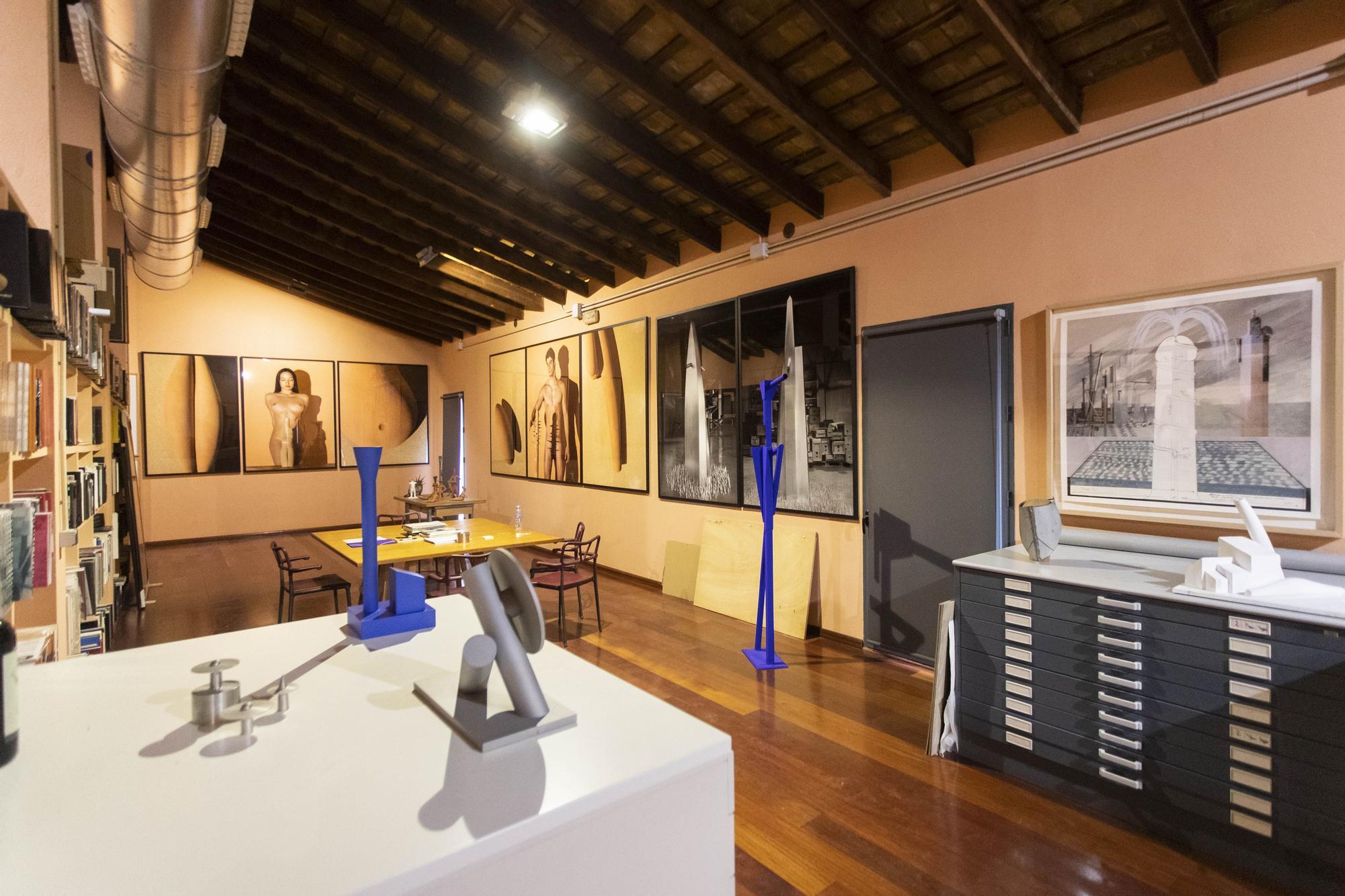 Mique Navarro abre las puertas de su taller a Levante-EMV para mostrar la futura sede de la fundación que lleva su nombre,