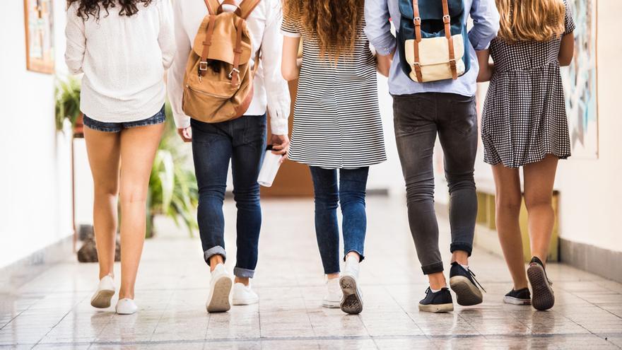 ¿Qué puedo hacer para mejorar la comunicación con mi hijo adolescente?