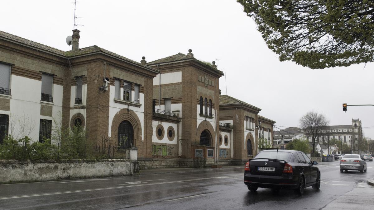Imagen de la antigua prisión provincial de Cáceres, en desuso desde hace más de una década.