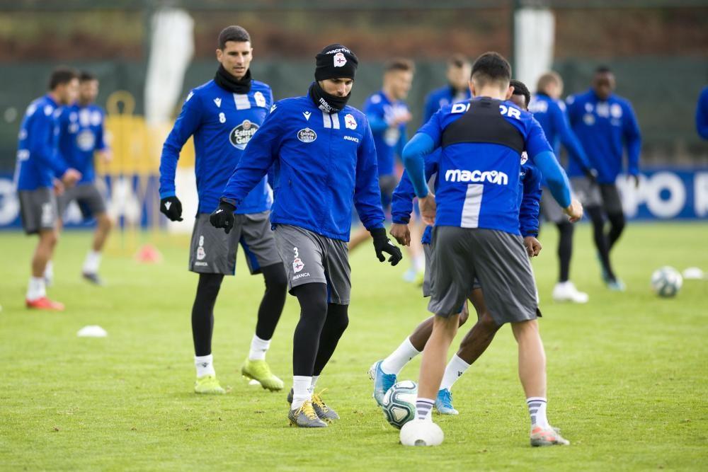 La plantilla vuelve a los entrenamientos para preparar el encuentro del sábado contra el Alcorcón en Riazor. Volverán a estar disponibles Gaku Shibasaki, Vassilis Lampropoulos y Javier Montero.