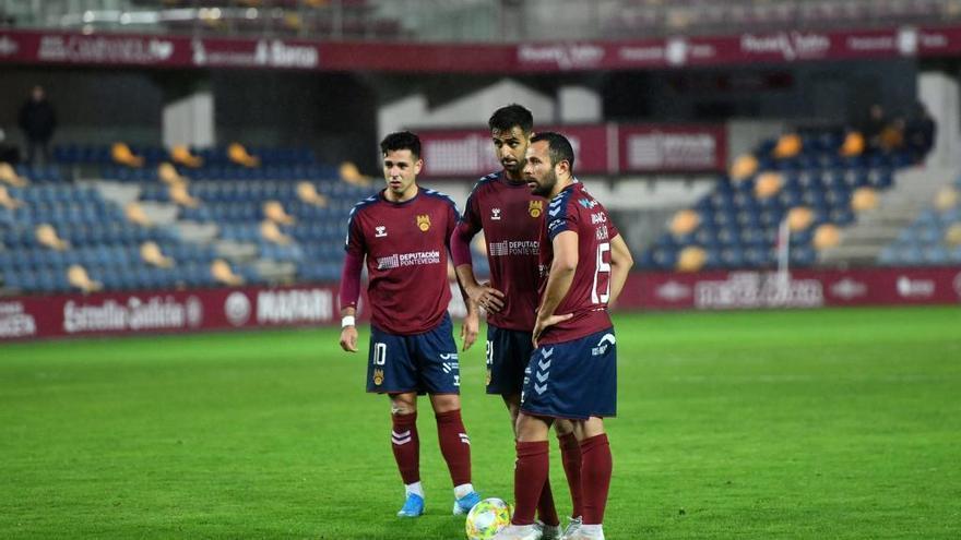 El Pontevedra cae abatido ante el colista con un 4-1