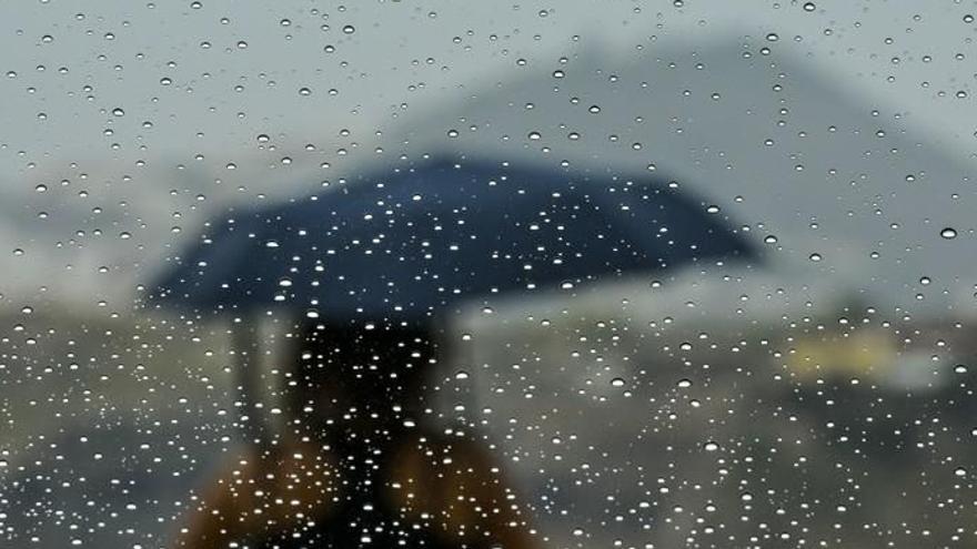 Canarias, tras el ciclón Theta, a la espera de una DANA