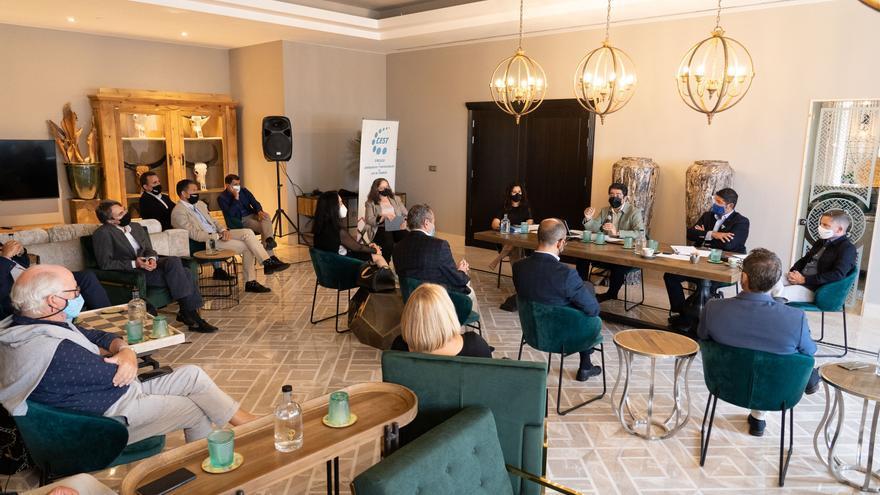 El Cabildo de Tenerife y el CEST analizan las medidas para la reactivación económica en la isla
