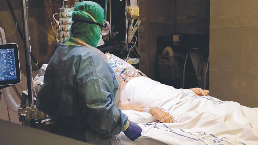 Sanidad estudia alternativas para paliar la inestabilidad laboral de los médicos