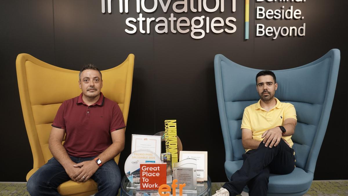 Joan Miquel Padilla y Miguel Ángel Castañeda, en las oficinas de Innovation Strategies.