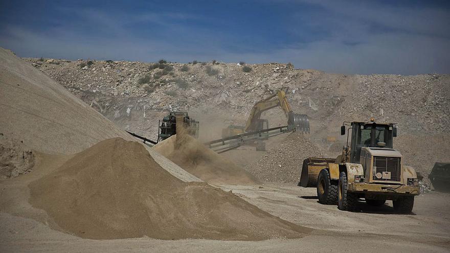 Urbanismo deniega la licencia de actividad a la planta de residuos de Fontcalent